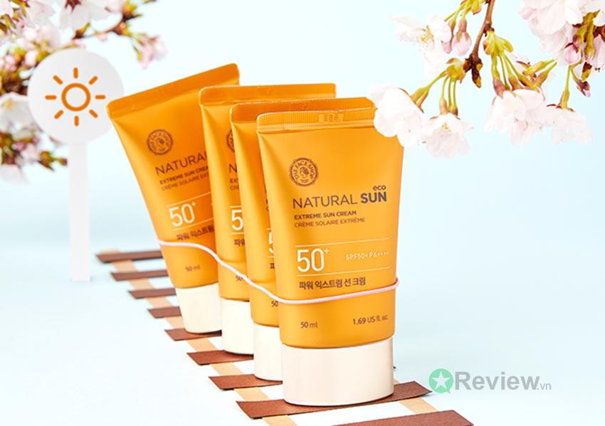 kem-chong-nang-the-face-shop-natural-sun-eco-review-210521-0442